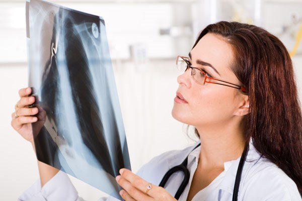 What are the differences between legal nurse consultants and paralegals?
