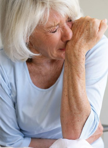 Less than half of al patients with chronic pain use opiods.