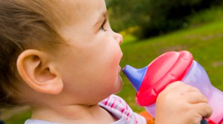 Walking while bottle drinking causes injuries in toddlers