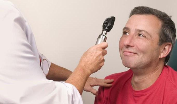 Aspirin ups risk of age-related macular degeneration