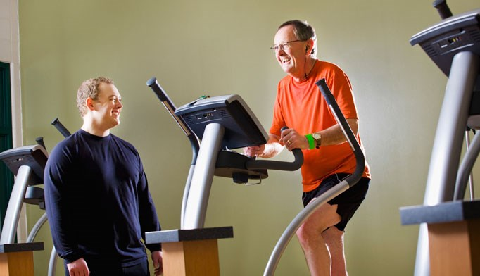 Exercise may help older men live longer