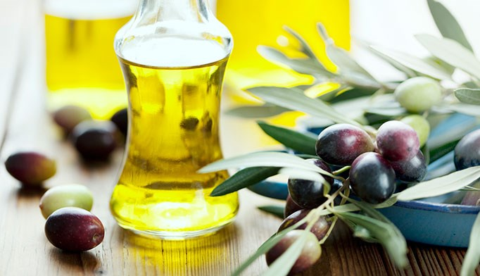 Eliminate earwax with olive oil