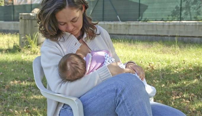 Breastfeeding, delaying gluten won't decrease an infant's risk of celiac disease