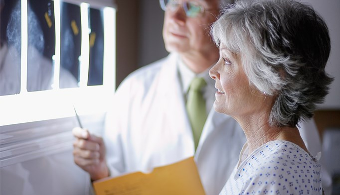 Experts weigh risks, benefits of lung cancer screening for seniors