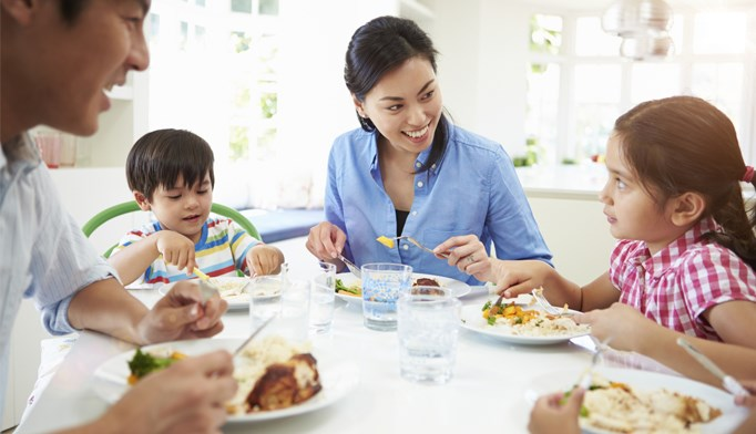 Family meals help in fight against childhood obesity