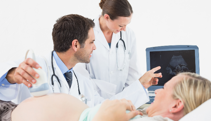 Has the increase of female obstetricians made it more difficult for male OB/GYNs to practice?