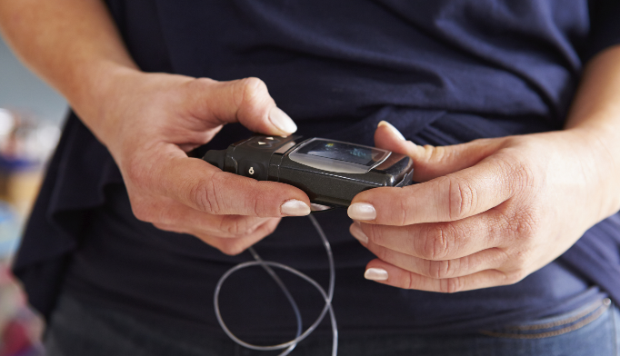 Using continuous blood glucose monitoring for type 1 diabetes management