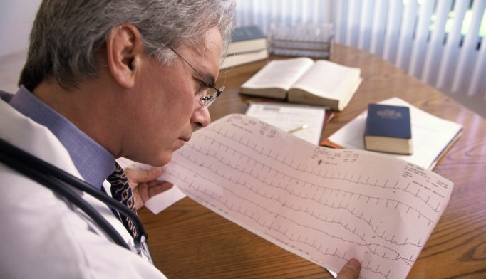 Routine testing for coronary artery disease has low yield
