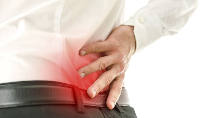 Determine risk of chronic back pain with a clinical decision rule