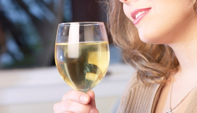 Light, moderate drinking increases cancer risk in women