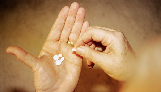 Drug combos not more effective than naproxen alone for acute low back pain