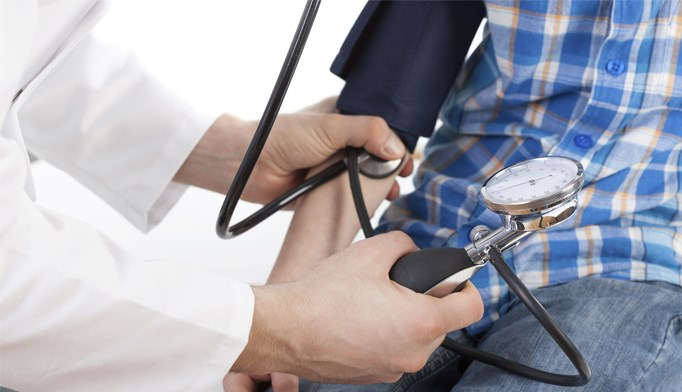 A target blood pressure level of 120/80 mm Hg in adolescence may be linked to early cardiovascular target organ damage.