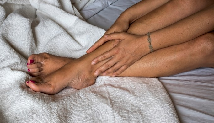 A new study found that certain lifestyle factors are linked to restless leg syndrome.