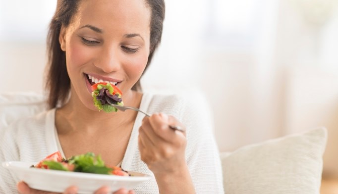 After gestational diabetes, eating a healthy diet may decrease the risk of hypertension.