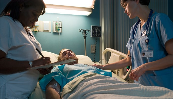 Patients who participate in rehabilitation have a lower in-hospital mortality rate.