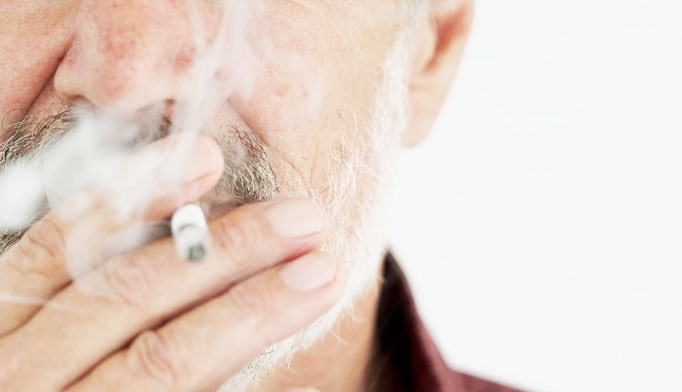 Men and women who quit smoking after entering HIV care at age 40 years gained 5.7 years and 4.6 years of life expectancy, respectively, compared with those who continued to smoke.