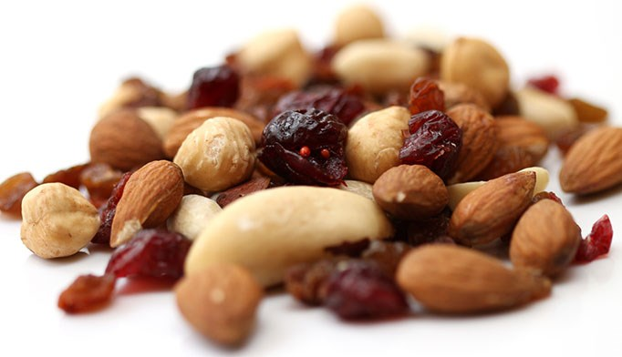 Eating nuts reduces mortality