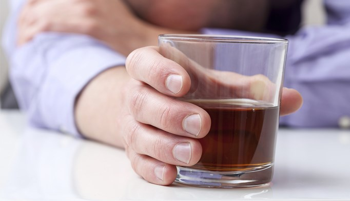 Hx of alcohol abuse increases memory impairment risk