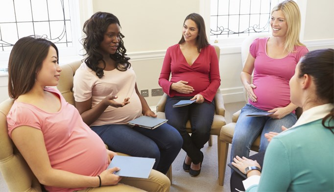 Advise group-based weight interventions for obese pregnant patients
