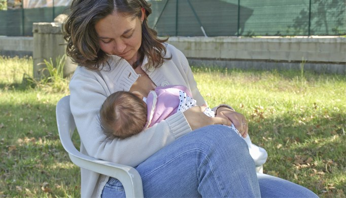 Breastfeeding, delaying gluten won't lower risk of celiac disease
