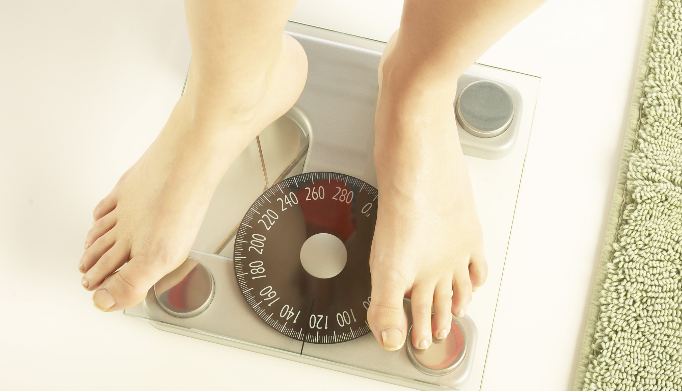 No fad diet is better than another for long-term weight loss