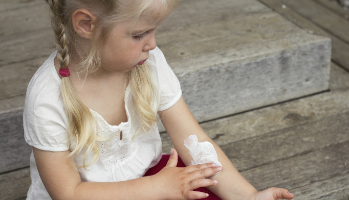No Clinical Benefit Seen for Bath Emollients in Childhood Eczema