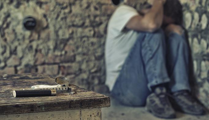 Intermittent heroin use worsens HIV progression