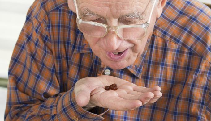 Selenium, vitamin E supplements do not reduce cataract risk in men