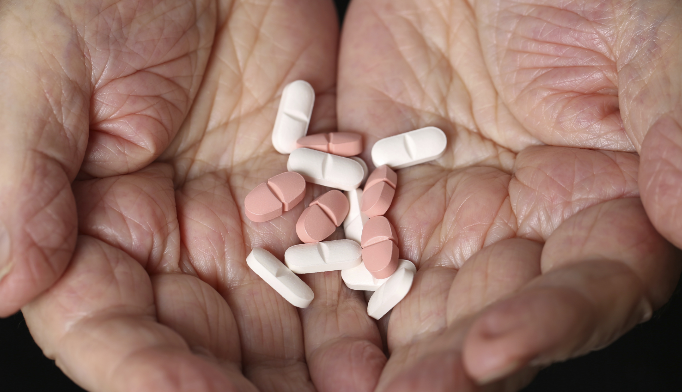 How much did Medicare spend on hepatitis C meds in 2014?