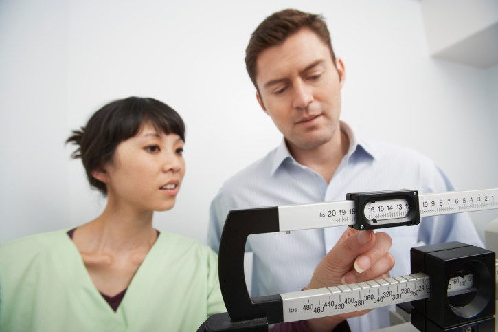 Researchers found that lorcaserin combined with varenicline minimized weight gain and waist circumference increases.