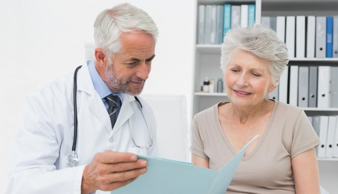 For older adults presenting to their primary care providers with a new visit for back pain, early referral to PT services results in no clinically meaningful differences in outcomes.