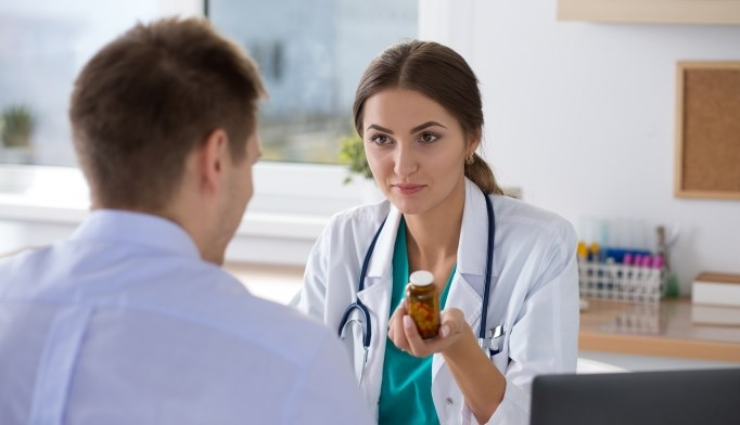 Non-vitamin K antagonist oral anticoagulants perform similarly to warfarin.