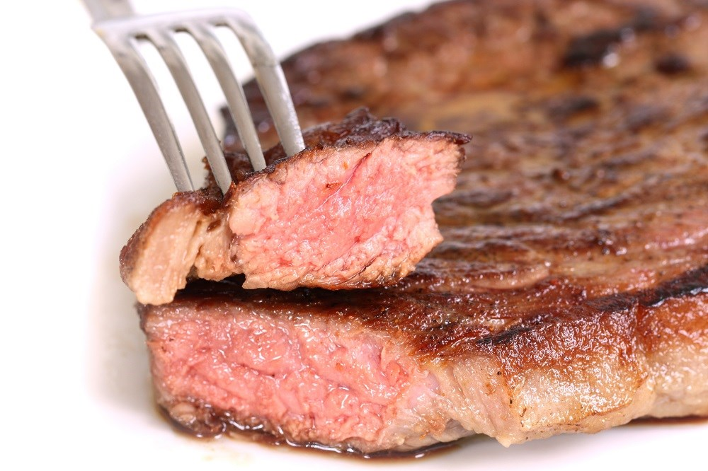 Unprocessed red meat was associated with an increased risk of diverticulitis.