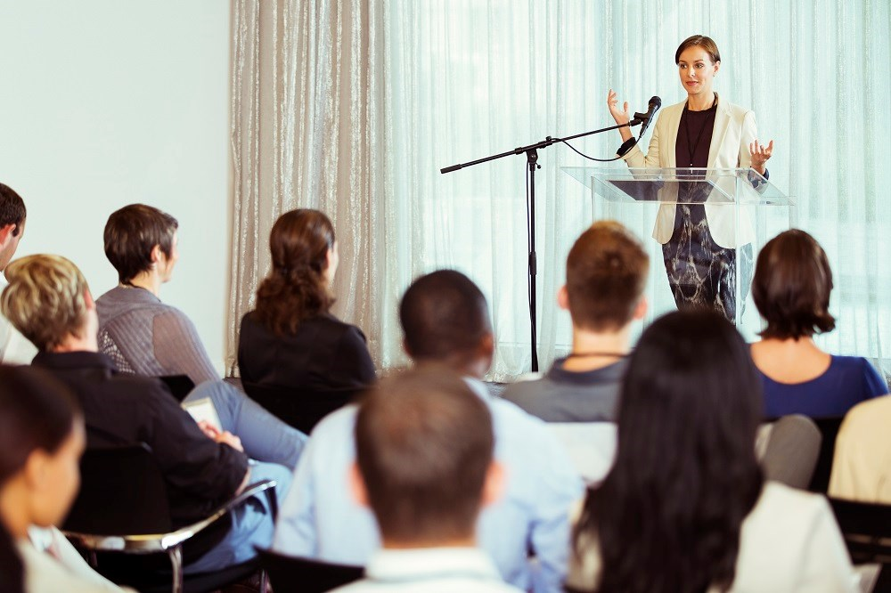 Conflicts of interest are communicated too briefly in oral presentations presented at medical conferences.