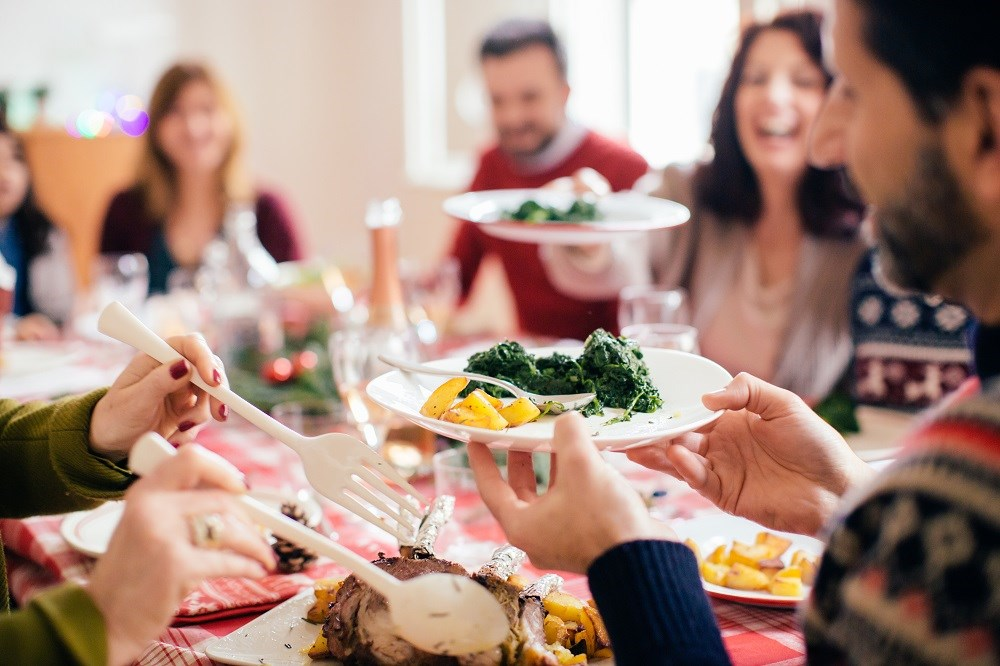 The FDA has published recommendations to prevent foodborne illnesses during the holiday season.