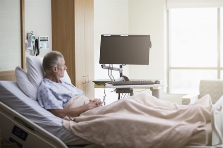GI Bleed Hospitalization Risk Linked to Oral Anticoagulant Choice, PPI Cotherapy