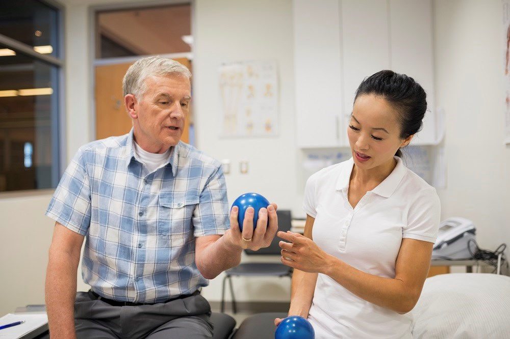 The addition of handgrip strength improved the prediction ability of an office-based risk score for all-cause and cardiovascular mortality and incidence of cardiovascular disease.