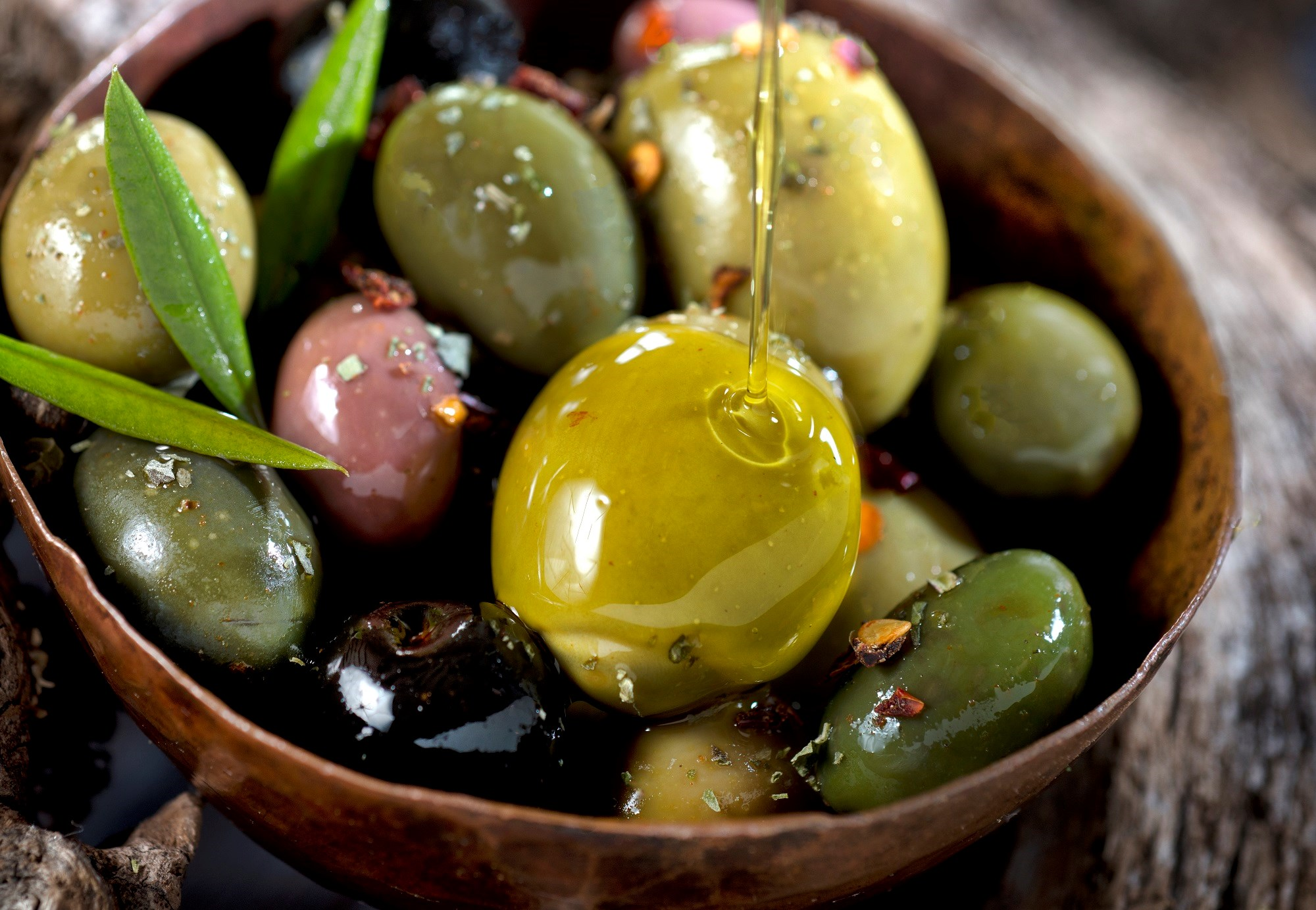 Risk of CV Events Down With Mediterranean Diet Plus Olive Oil, Nuts