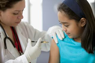 Positive factors associated with vaccination included subjective norms related to family, relationship with daughter's clinician, HPV vaccination safety, and self-efficacy.