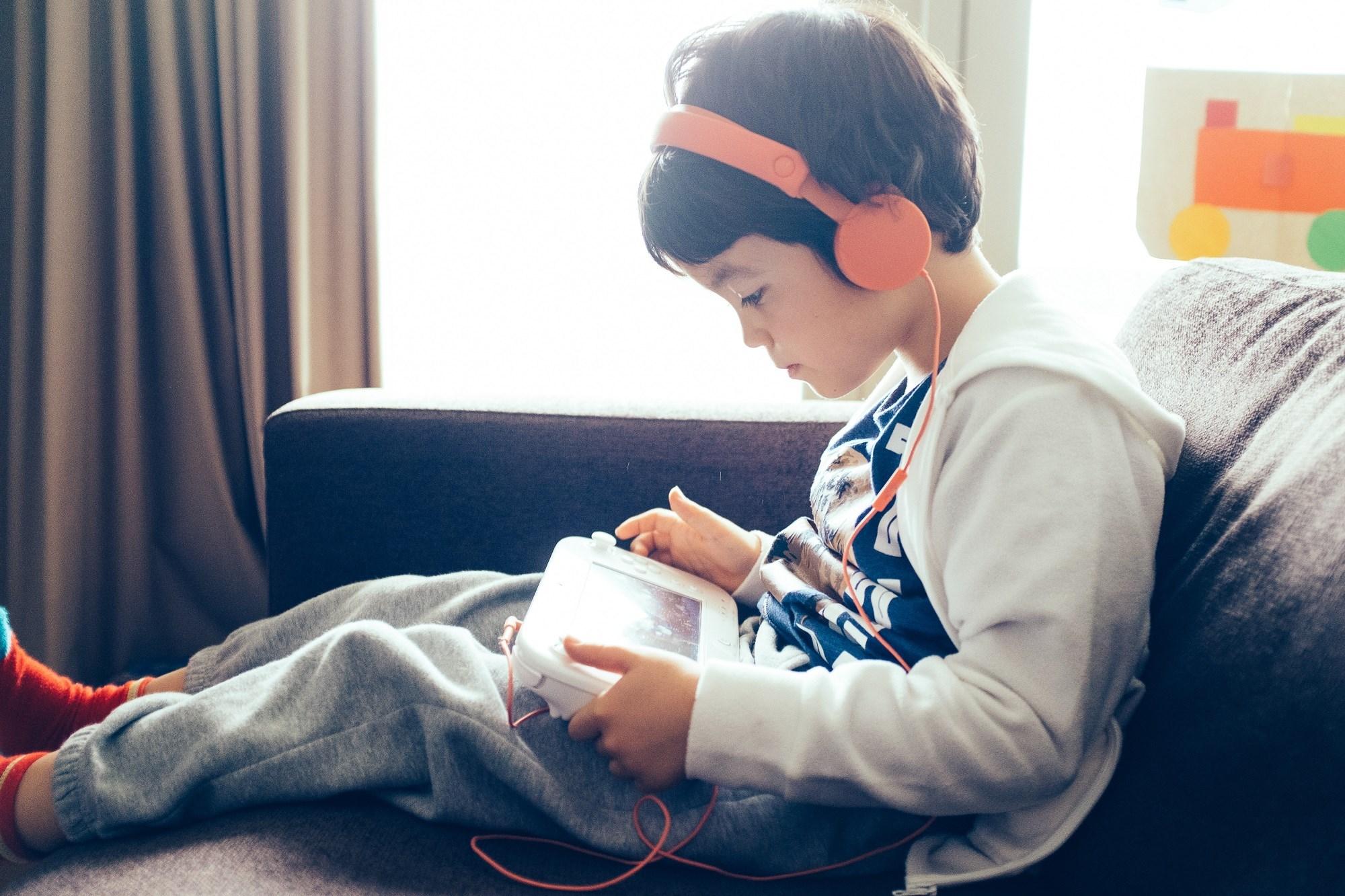 Recreational Screen Time, Sleep Duration Linked to Cognitive Development in Children